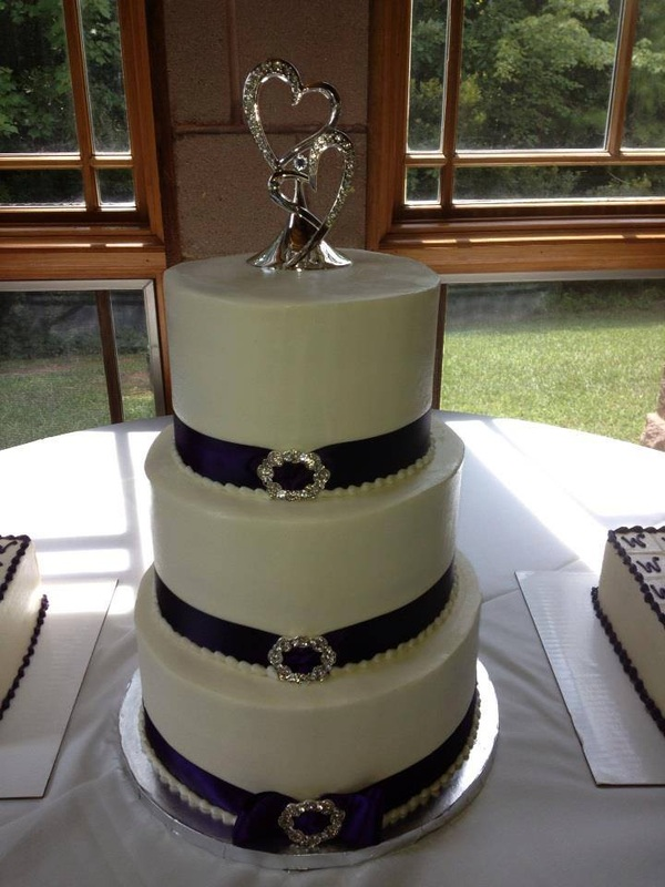 Custom Wedding Cake Bakery Gastonia NC Deliveries To Charlotte